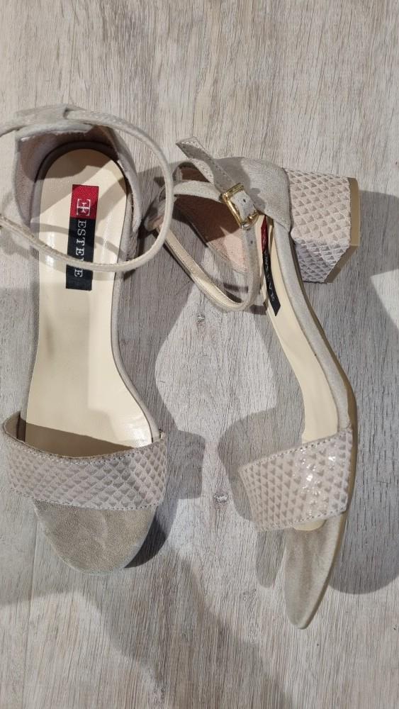 Sandales en daim